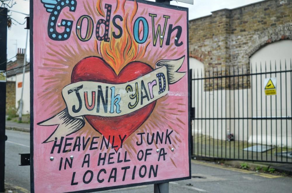 God's Own Junkyard (01)