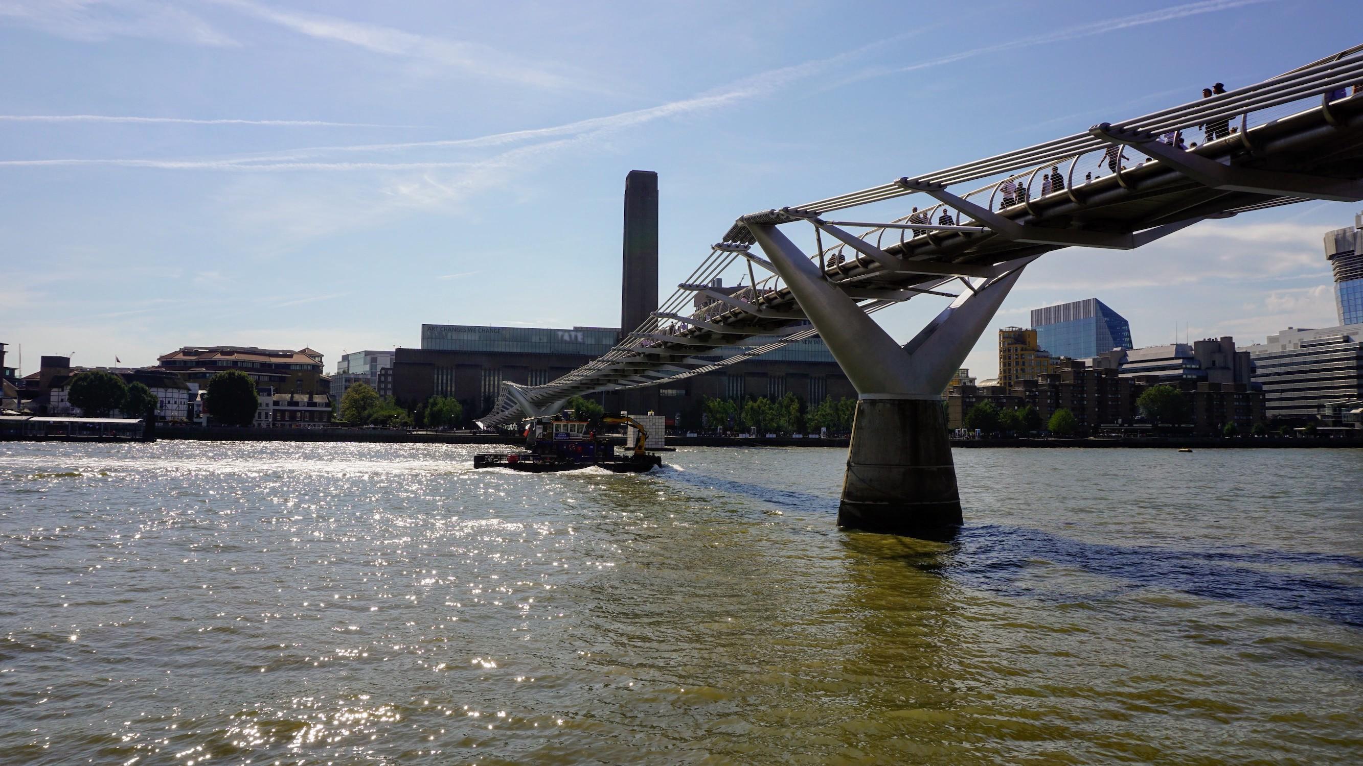 Millenium Bridge (02)