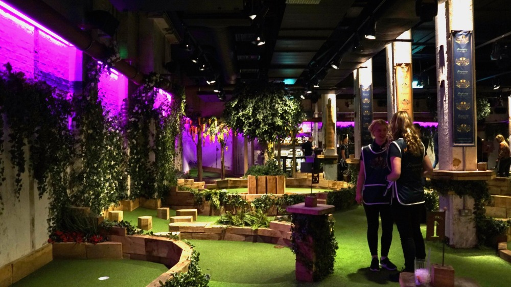 Swingers Crazy Golf (09)