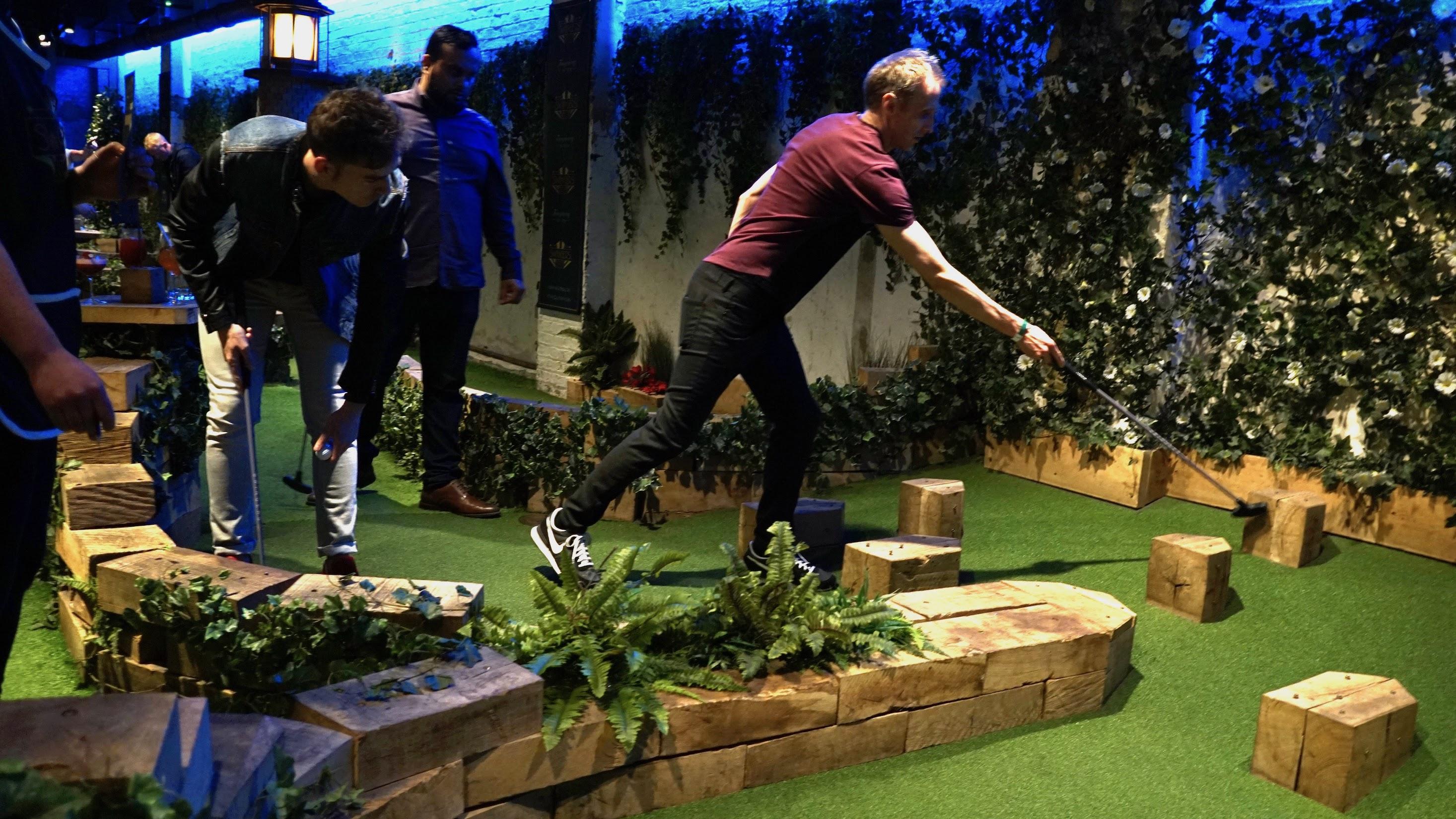Swingers Crazy Golf (14)